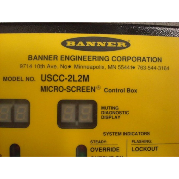 Banner USCC-2L2M Micro-Screen Control Box Used