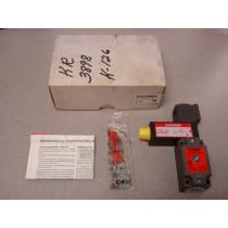 Euchner NZ1VZ-528E3VSE07L060-M Mechanical Safety Switch New NIB