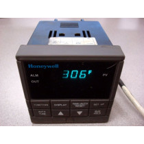 Honeywell UDC2300 Mini-Pro Temperature Controller DC230L-E0-00-10-0A00000-00-0 Used