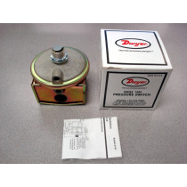 Dwyer 1820-0-SF Series 1800 Pressure Switch New NIB