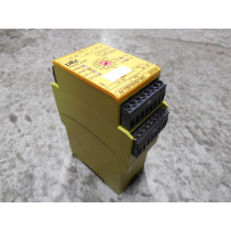 Pilz PNOZ XV2P Safety Relay Module 777502102585 Used
