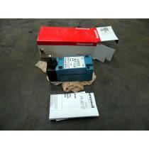 Honeywell Micro Switch LSF1A 0211 Heavy Duty Limit Switch 600V 10A New NIB