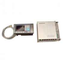 Honeywell 8001-0M0-1E Process Control w/ UMC551 Operator Panel Used