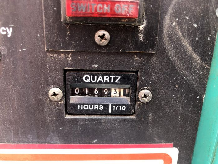 Used 350 KW Diesel Generator Cummins NTA-855-G3 277 / 480 Volt 3 Phase  TESTED