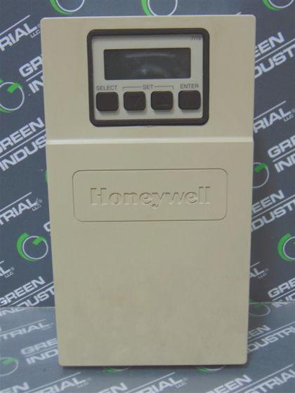 NEW HONEYWELL T775E1015 TEMPERATURE CONTROLLER