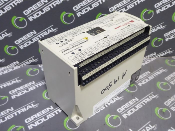 USED Sti RM-4 43860-0010 QuadSafe Light Curtain Controller